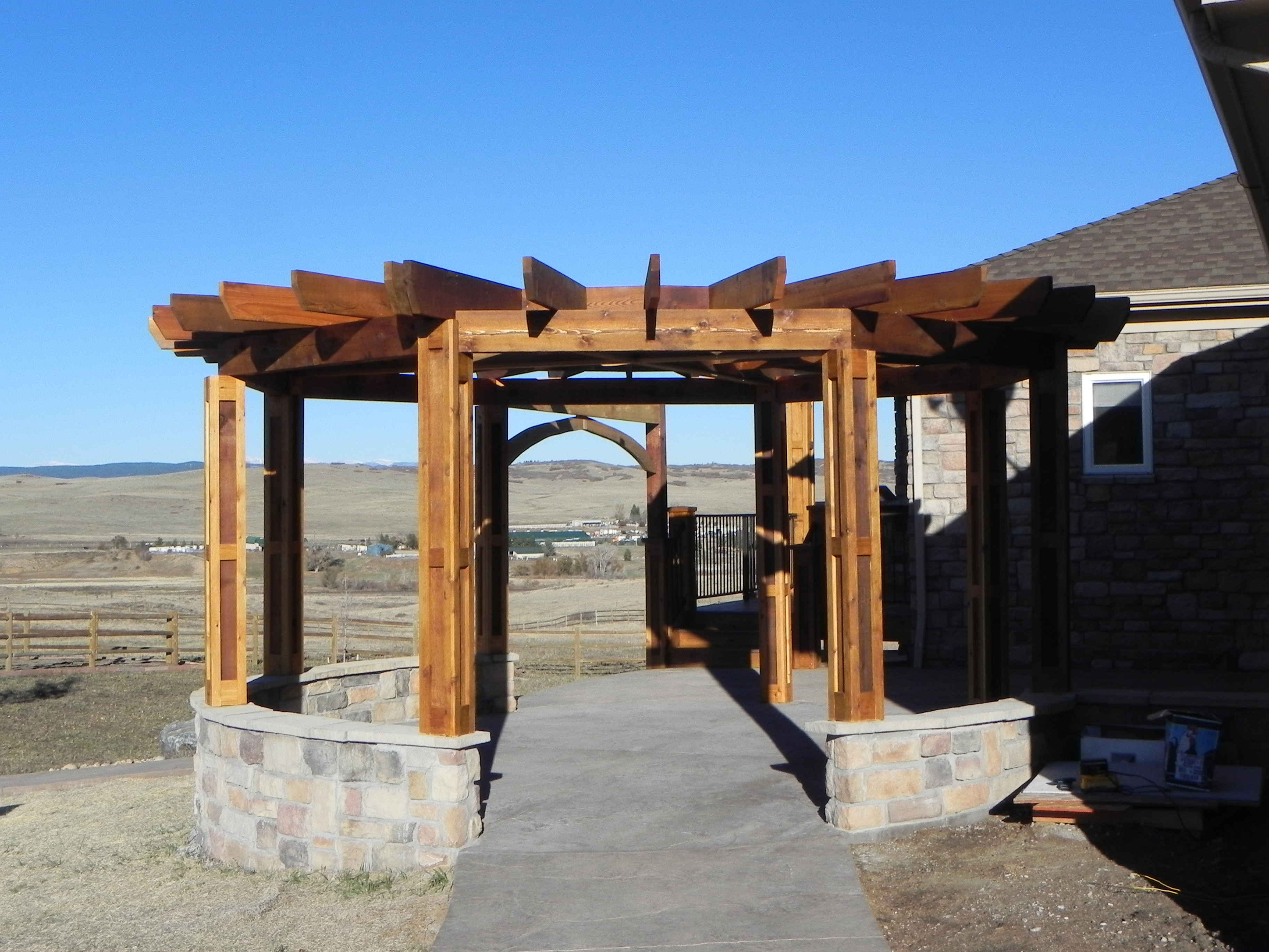 Circular pergola | Craftsman Outdoor Living