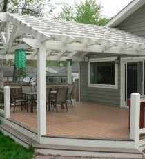 Small deck with pergola