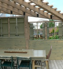 Triangle pergola with privacy